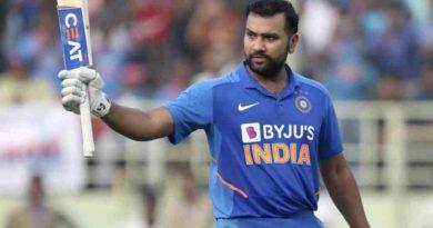 रोहित शर्मा बने बर्ष २०१९मा सार्वाधिक रन बनाउने खेलाडी, कोहली ?