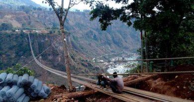 एशियाकै लामो झौलुङ्गे पुल फागुनमा निर्माण सकिने