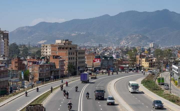 लामो दुरीमा निजी सवारीलाई नरोकिने, सार्वजनिक यातायात बन्द