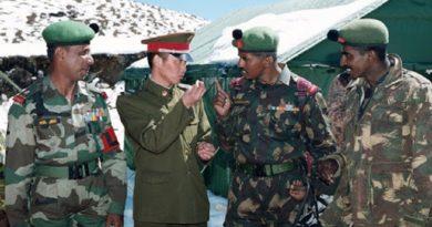 २ असार २०७७ नयाँदिल्ली : लामो समयदेखि बिबादित बनेको लद्दाखमा चिनिया र भारतीय सेना बीच झडप भएको छ।