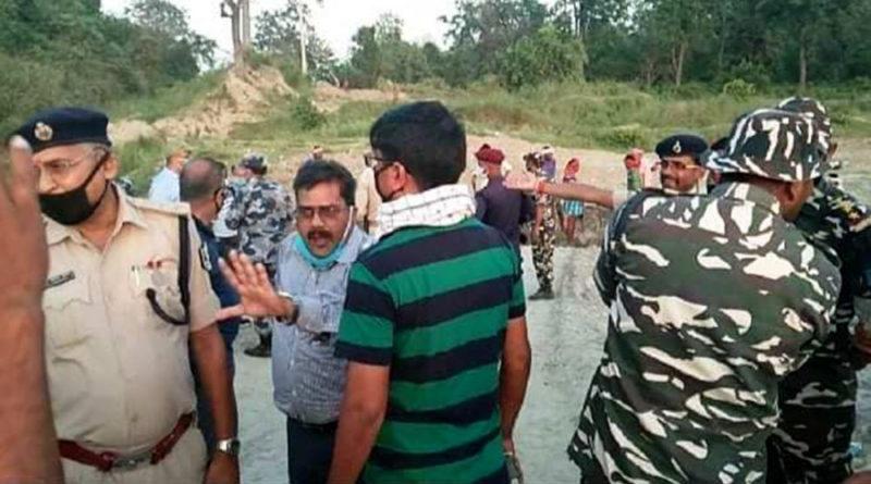 नेपाली भूमिमै प्रवेश गरेर भारतीय सुरक्षाकर्मीले भत्काए नेपालको सडक