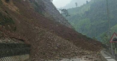 पहिरोले नारायणगढ–मुग्लिन सडक पुनः अवरुद्ध